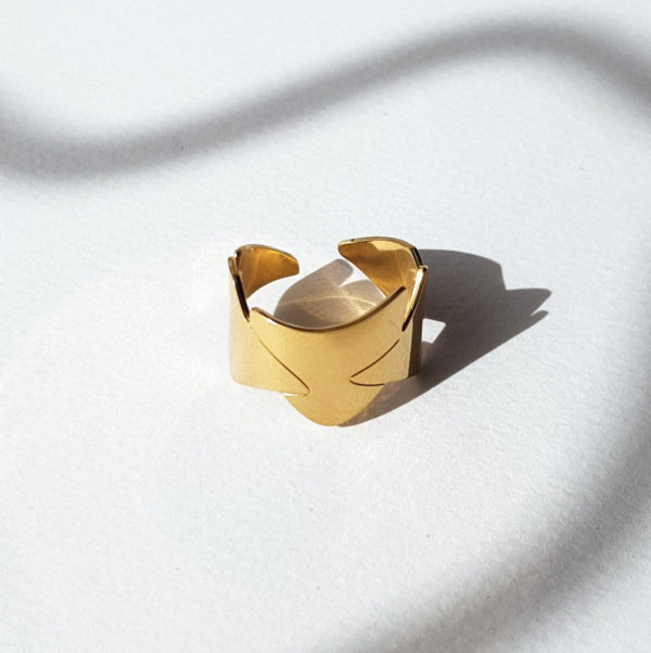 bague or et ombrage